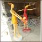 玩耍的抽象人物雕塑-玻璃钢彩绘人物